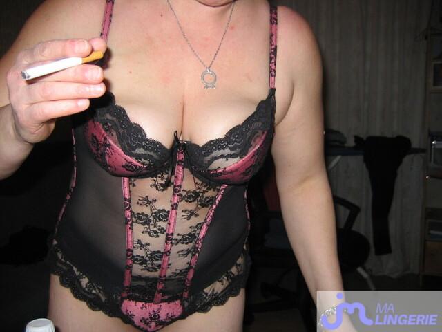Photo de la lingerie de Isabou080263