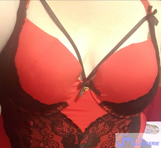 Photo de la lingerie de Très ronde